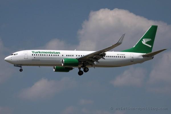 Turkmenistan Airlines Boeing B737-800