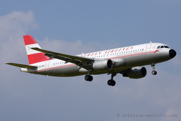 Austrian Airlines Airbus 320 retro colours