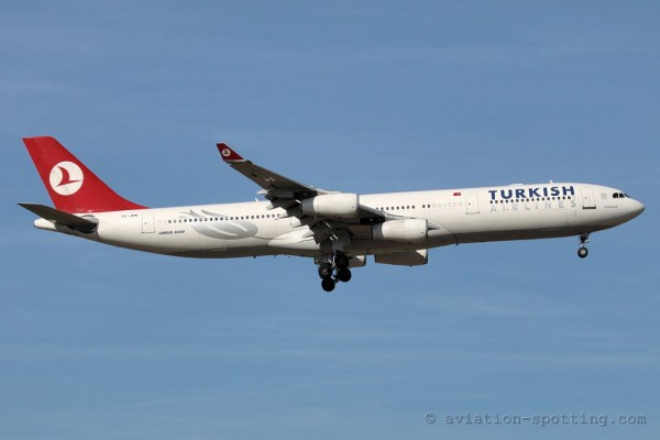 Turkish Airlines Airbus 340-300