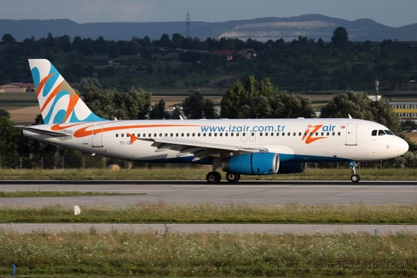 Izmir Airlines Airbus 320 (Turkey)