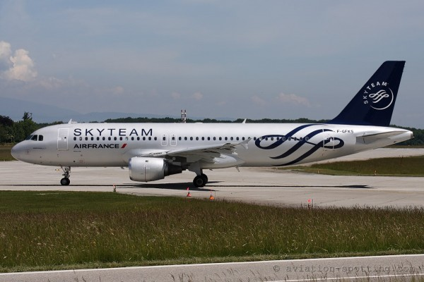 Air France Airbus 320 Skyteam colours