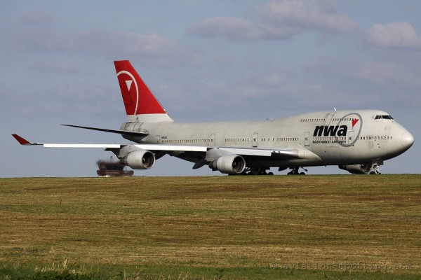 NWA Northwest Airlines Boeing B747-400 (USA)