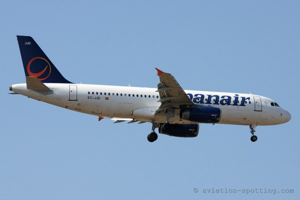 Spanair Airbus 320 new colours (Spain)