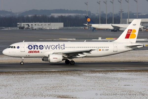 Iberia Airbus 320 oneworld colours (Spain)