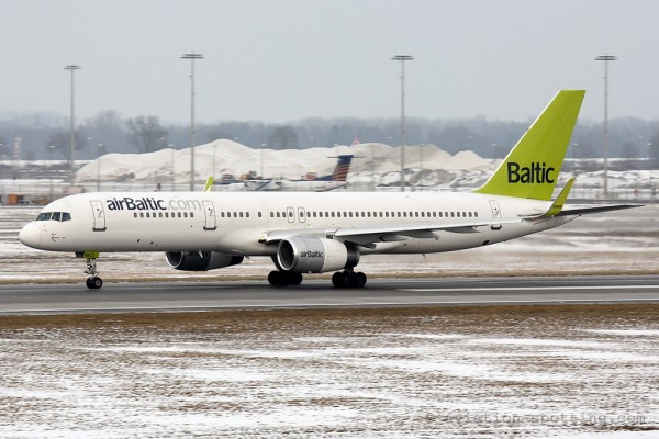 Air Baltic Boeing B757-200 (Latvia)