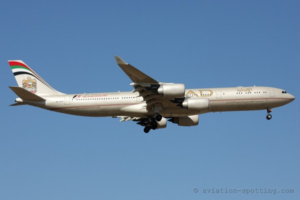 Etihad Airways Airbus 340-500 (UAE)