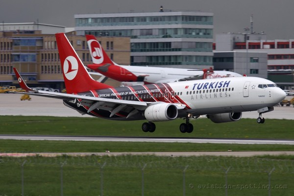 Turkish Airlines Boeing B737-800 Manchester United Special colours