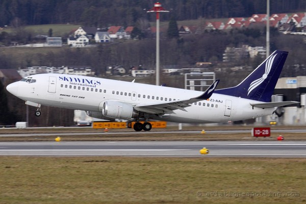 Skywwings International Boeing B737-300 (Macedonia)