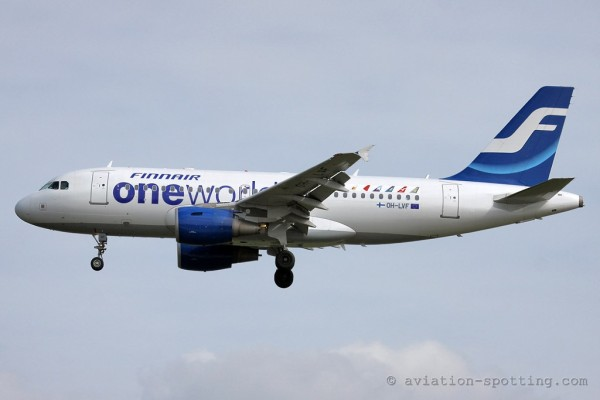 Finnair Airbus 319 oneworld special colours (Finland)