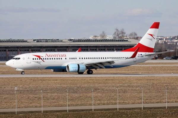 Austrian Airlines Boeing B737-800