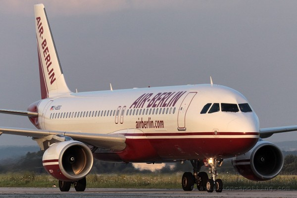Air Berlin Airbus 320 old colours (Germany)
