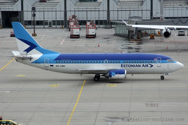 Estonian Air Boeing B737-300
