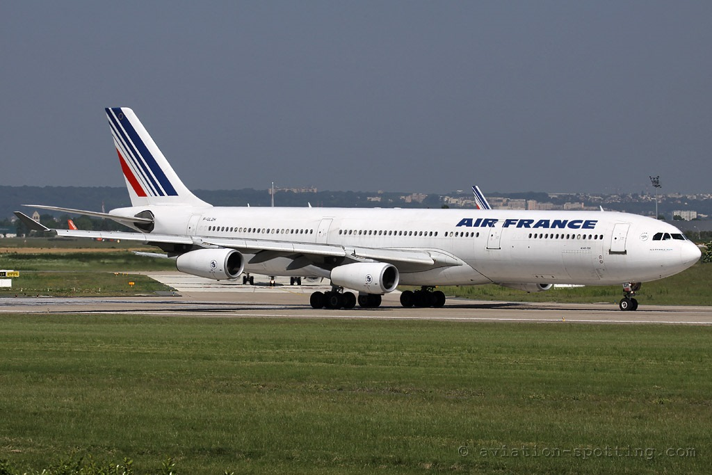air france airbus a340 300 old colours aviation spottingaviation spotting. Black Bedroom Furniture Sets. Home Design Ideas
