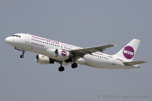 WOW Air Airbus 320 (Iceland)