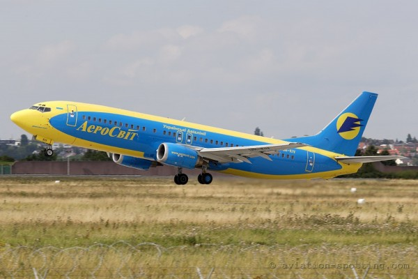 Aerosvit Airlines Boeing B737-400 new colours (Ukraine)
