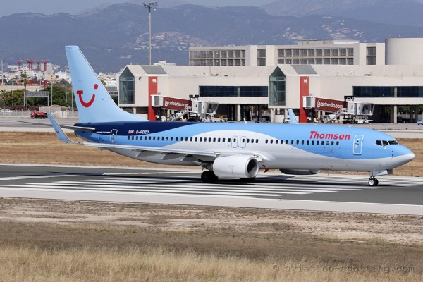 Thomson Airways Boeing B737-800 (UK)