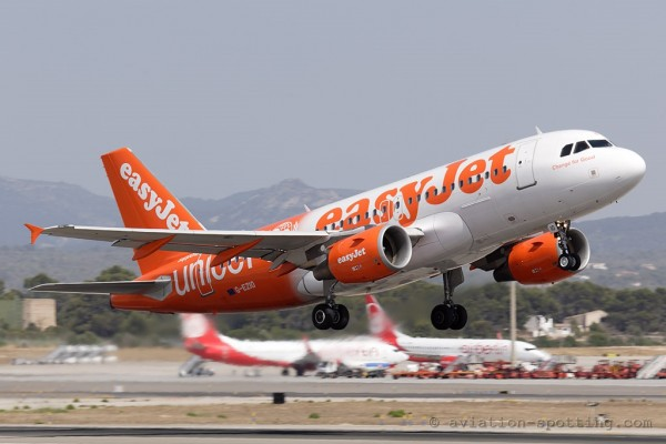 Easyjet 319 UNICEF special colours (UK)