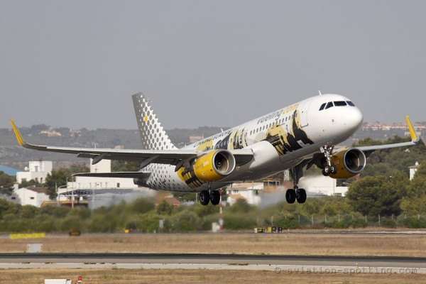 Vueling Airlines Airbus 320 Linking Europe (Spain)