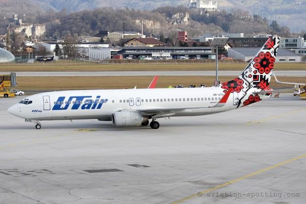 UTair Ukraine Boeing B737-800
