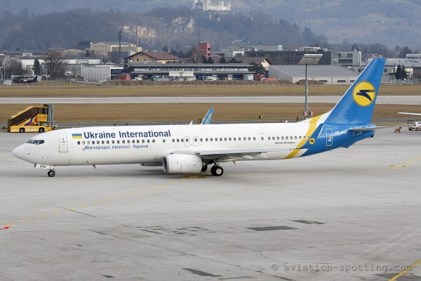 Ukraine International Airlines Boeing B737-900 (Ukraine)