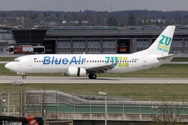Blue Air Boeing B737-400 Radio Zu special colours (Romania)