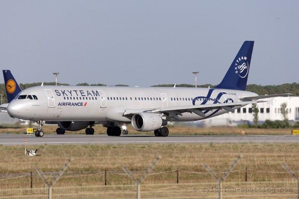 Air France Airbus 321 Skyteam colours