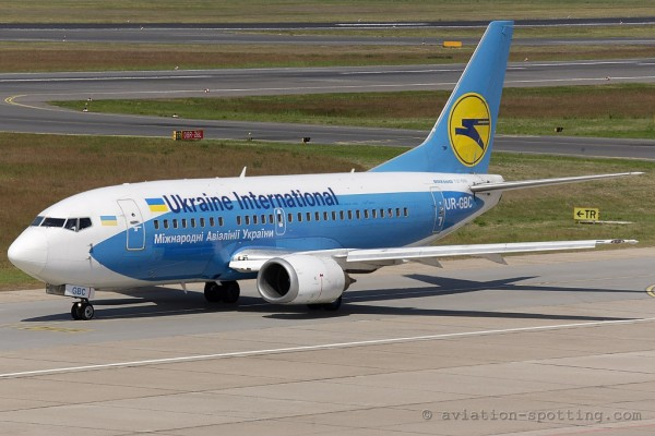 Ukraine International Airlines Boeing B737-500