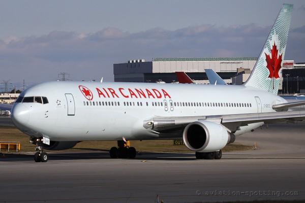 Air Canada Boeing B767-300