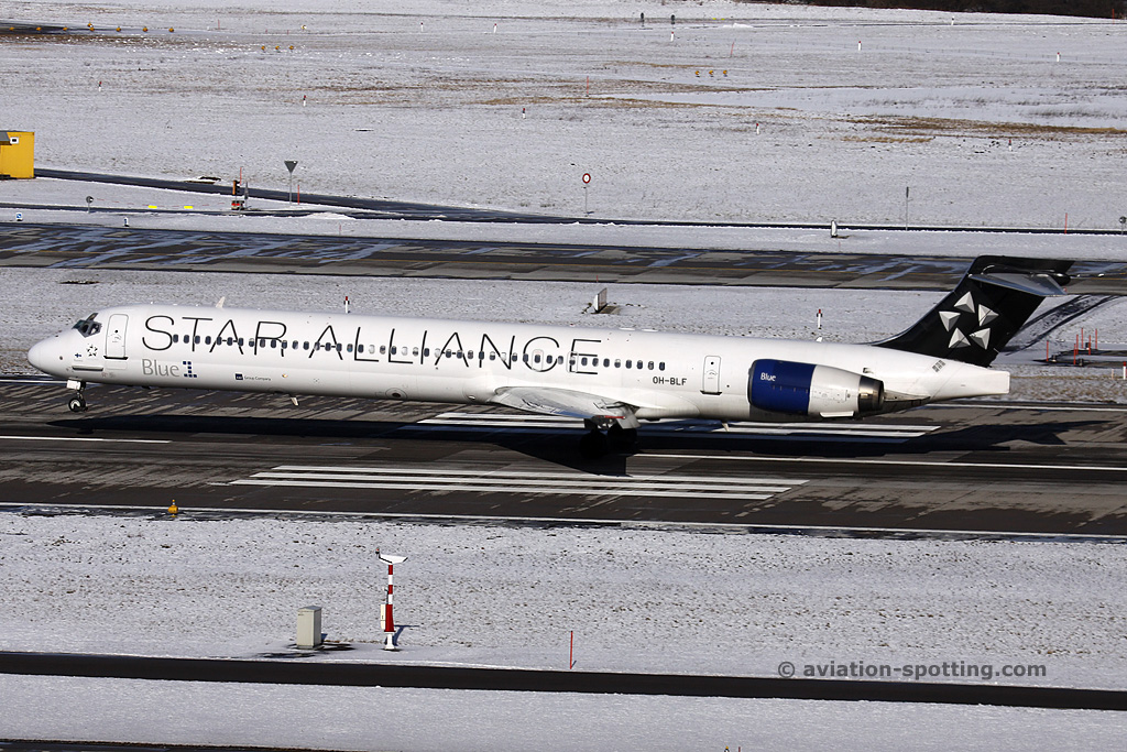 Blue1 McDonnel Douglas MD 90 (Finland)