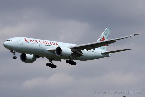 Air Canada Boeing B777-200