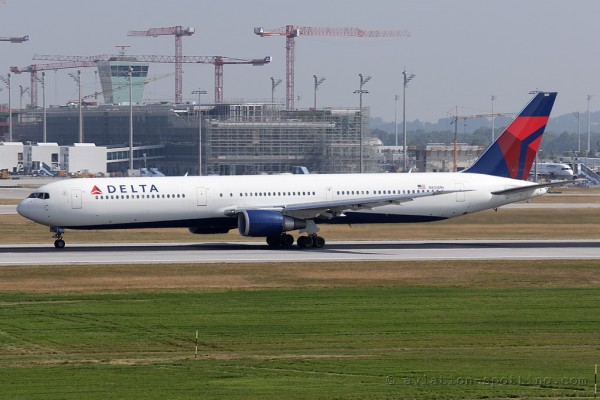 Delta Air Lines Boeing B767-400 (USA)