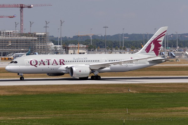 Qatar Airways Boeing B787-8