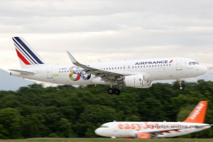 Air France Airbus 320 80 years anniversary livery