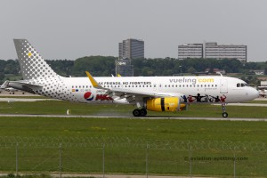 Vueling Airlines Airbus 320 (Spain) pepsi special livery